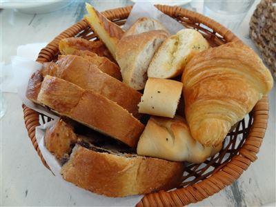 おかわりのパン