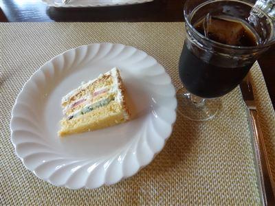 ランチセットのデザートとドリンク