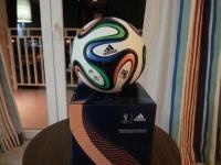 FIFA W杯2014公式試合球・ブラズーカ(brazuca) レプリカ 箱と一緒