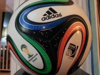 FIFA W杯2014公式試合球・ブラズーカ(brazuca) レプリカ