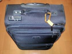 スーツケースに目印を取り付けた♪