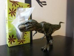 超リアルな恐竜フィギュア!ティラノサウルス・レックス(走) 大きさ border=