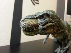超リアルな恐竜フィギュア!ティラノサウルス・レックス(走)口閉じ
