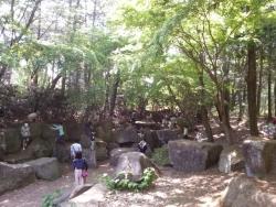 昭和記念公園の洞窟探検