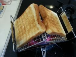 fanマルチトースターで食パン焼き具合