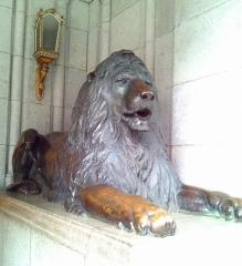 昔からのライオン像