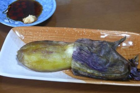 大き目の肉厚な茄子