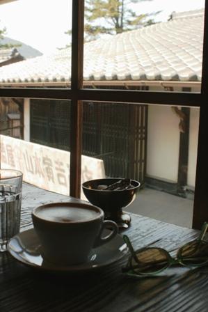カフェの2階から 1