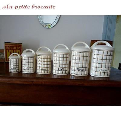 six-pots-a-epices-anciens-art-deco-ditmar-urbach.jpg