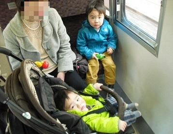 0 JR電車内
