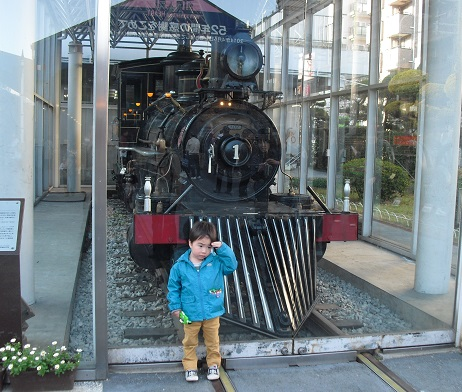 12 蒸気機関車・義経