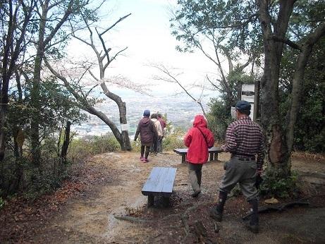 8 雨山の頂上・展望台