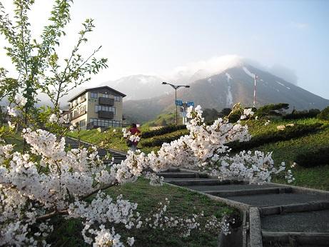 2 大山寺の駐車場から大山
