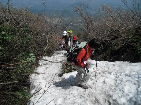 10 夏山登山道7合目付近の残雪