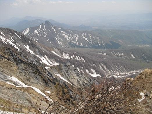 17 夏山登山道・弥山頂上から南東方面・烏ケ山