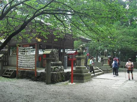 12 葛木神社