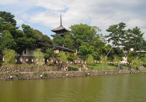 11 猿沢の池