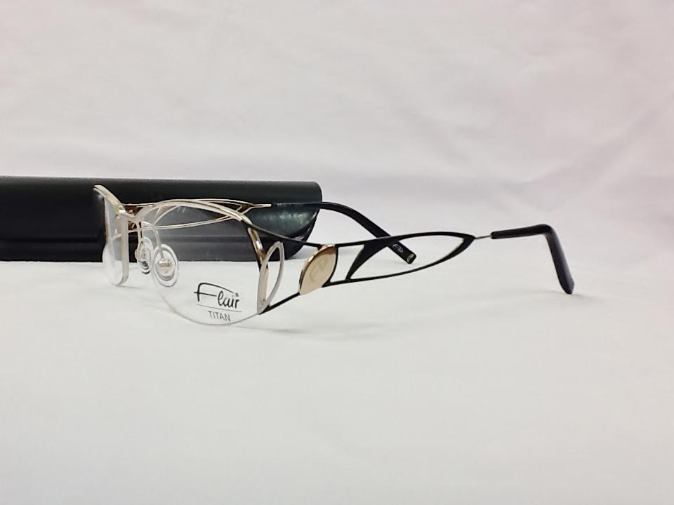 フレアー 品番:498 フレームカラー:519 レンズサイズ:53ミリ