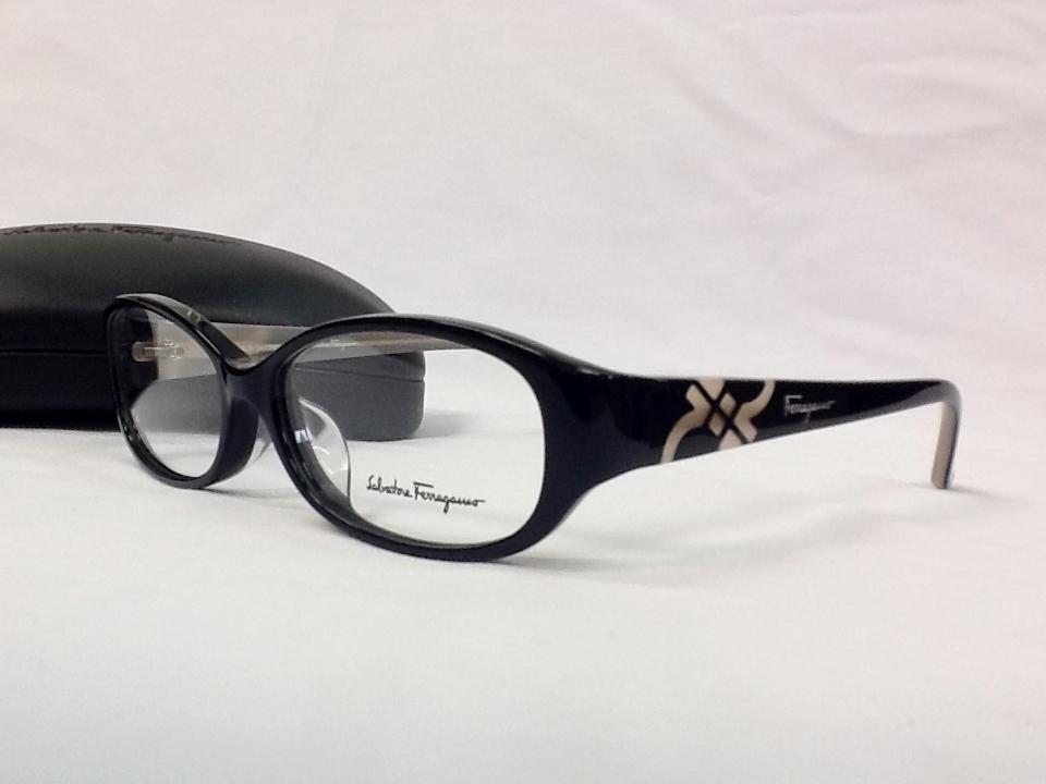 サルヴァトーレフェラガモ 品番:SF2675A フレームカラー:BLACK レンズサイズ:54ミリ