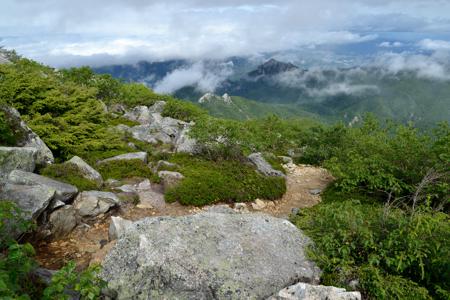 岩場からの瑞牆山