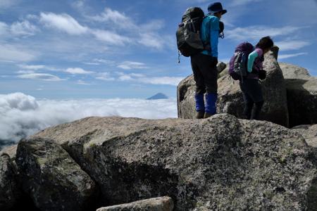 岩場からの富士