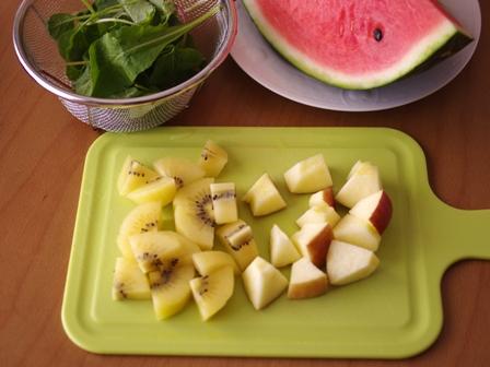 マイボトルブレンダーでつくる野菜と果物たっぷりのふんわりジュース11