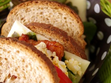 GABANスパイスでつくるぎゅっと栄養いっぱいサンドイッチ03