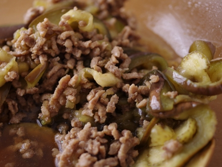 GABAN五香粉でつくる、簡単レンジで肉なすそうめん(温かい&冷たい)04
