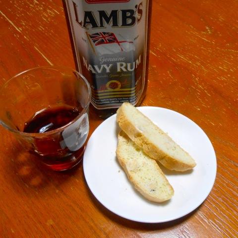 カントゥッチとアヒャ酒