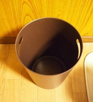 ゴミ箱 (2)