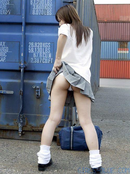 【三次・エロ画像】自分からミニスカートをめくり上げて見せパンしちゃうJK! 56枚 part.10 No.56