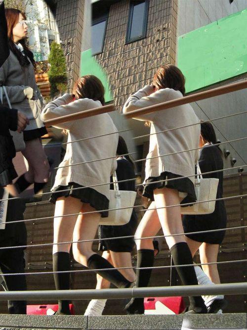 【三次】 JKの制服ミニスカからパンチラしちゃってるエロ画像! 23枚 part.6 No.4