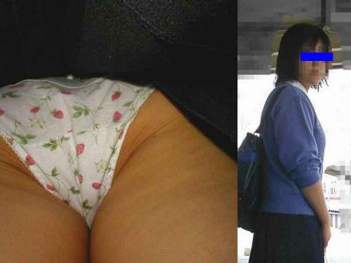 【三次・逆さ撮り画像】 真面目そうな制服JKの下着って意外とエロそうじゃね?? 56枚 part.12 No.46