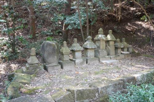 6磐城氏の墓 (1200x800)