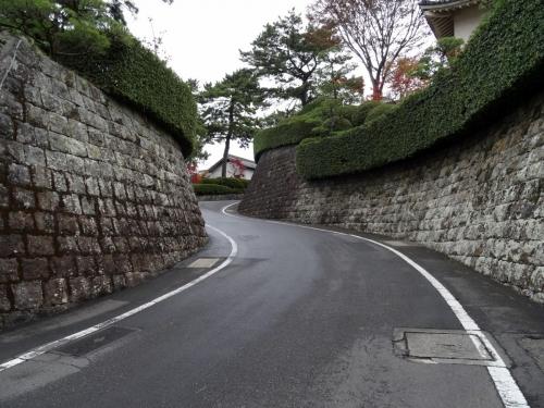 1本丸へ (1200x900)