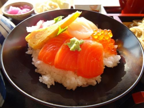 5海鮮丼 (1200x900)