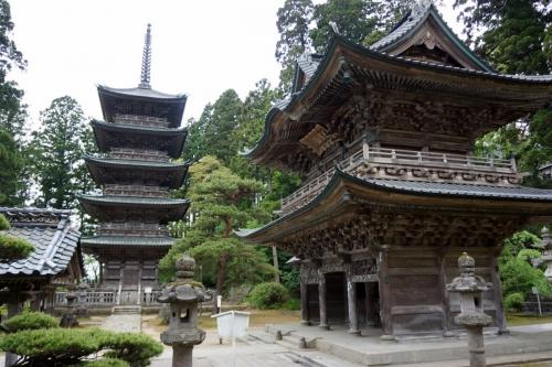 5山門と塔 (1200x800)