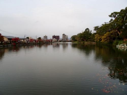 1佐賀城の濠 (1200x900)