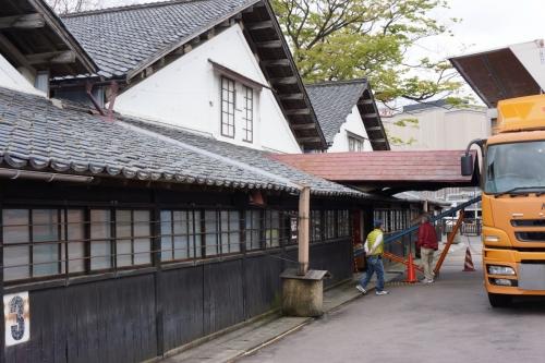 4山居倉庫 (1200x800)