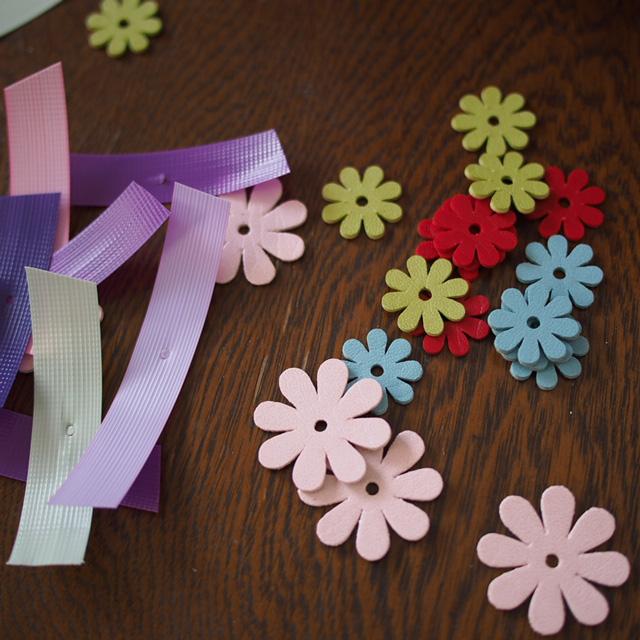 革のお花パーツ