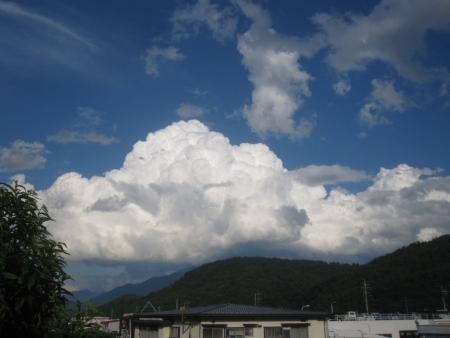 tnH26-07-11積乱雲になりかかっている雲 (1)