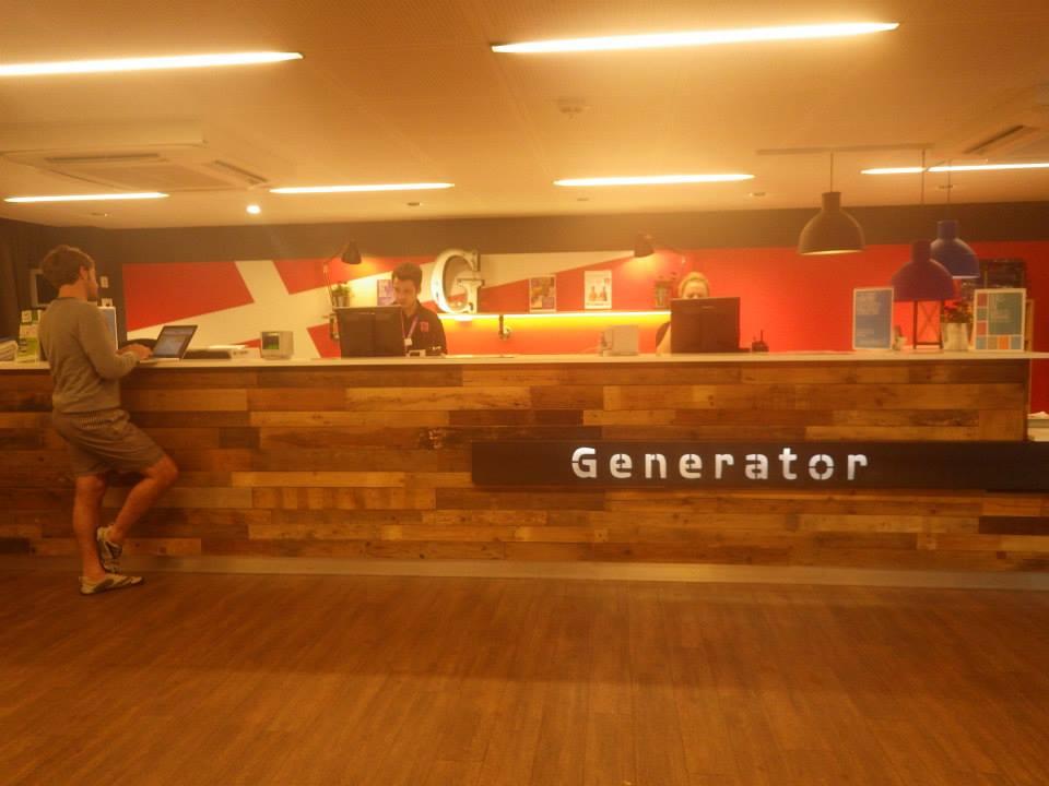 ジェネレーターホテル8