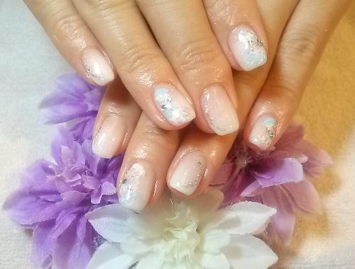白グラデーションネイル ピーコックアート 紫陽花カラー
