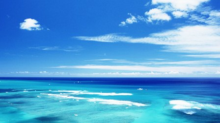Aquamarine_sea_and_sky_in_Hawaii_JY075_350A.jpg