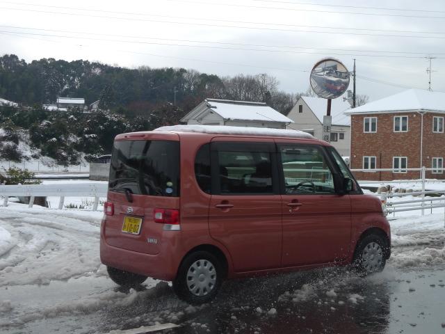 L1070011 車と雪