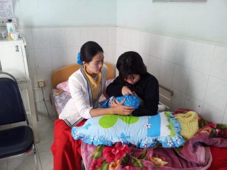 母乳訓練中
