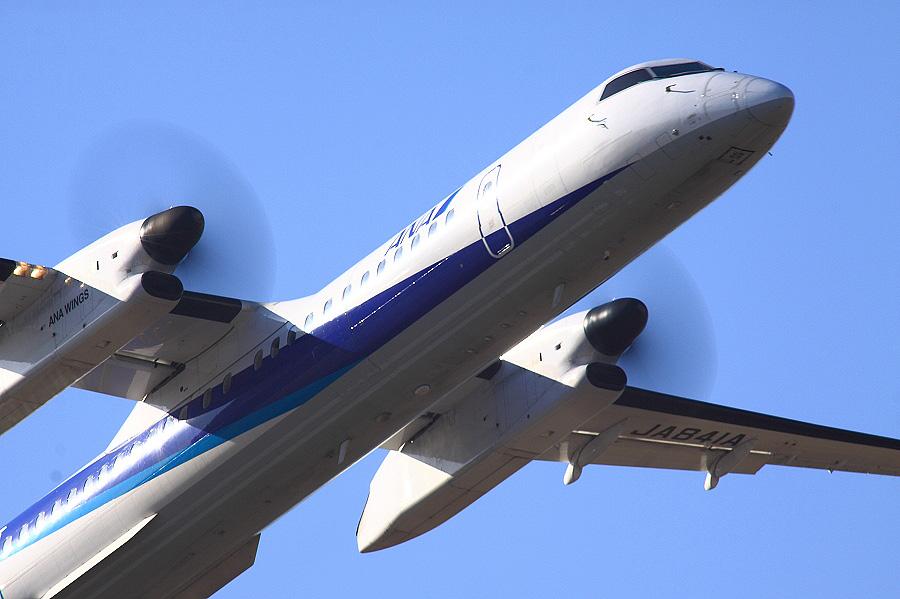 ANA WINGS DHC-8-402Q / ANA1631 (JA841A)@下河原緑地展望デッキ