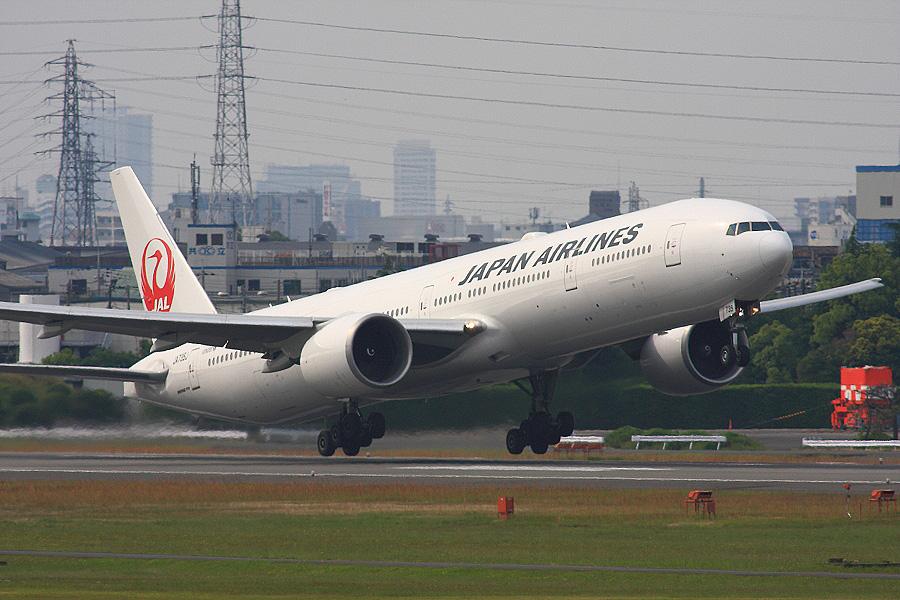 JAL B777-346ER / JAL3002 (JA735J)@下河原緑地展望デッキ