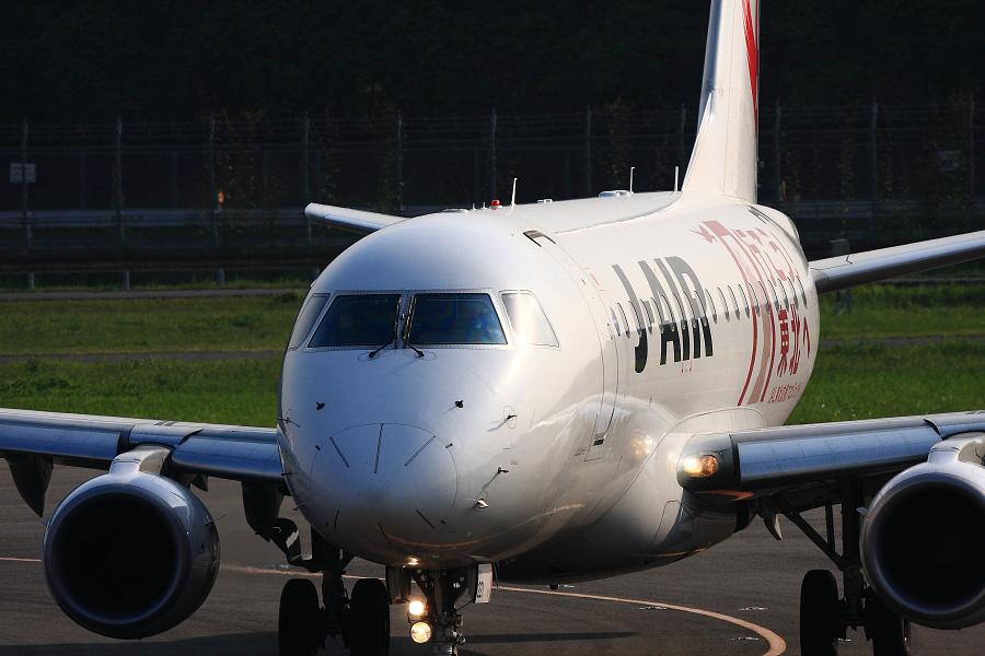 J-AIR Embraer170 / JAL2208 (JA221J)@下河原緑地展望デッキ