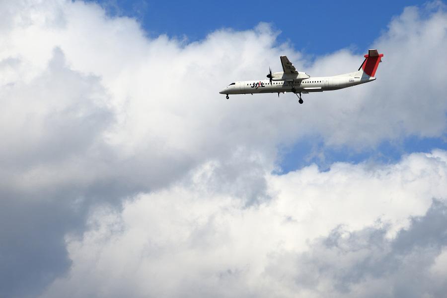 JAC DHC-8-402Q / JAC2404 (JA847C)@RWY32Lエンド・千里川土手